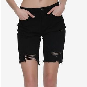 Hot Topic Pants - Hot Topic Black Distressed Capri Jeans